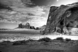16 -Monument Valley in BW